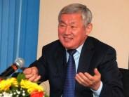 Бердібек Сапарбаев екі полиция қызметкерін өлімнен арашалап қалды