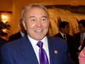 Желіде Назарбаевтың әзіл айтып отырған видеосы пайда болды (видео)