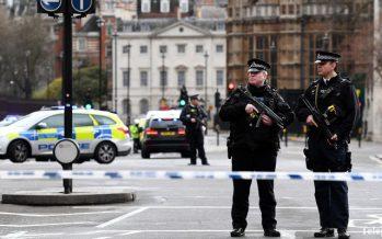 Лондонда парламент ғимаратының алдында теракт жасалды (ФОТО, ВИДЕО)