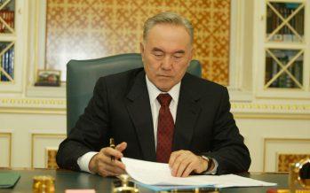 Елбасы Конституцияға енгізілген өзгертулер туралы заңға қол қойды