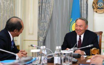 76 жастағы Елбасы ағылшынша үйренгенде, 40 жастағы министрлердің қазақ тілін білмеуі – ҰЯТ