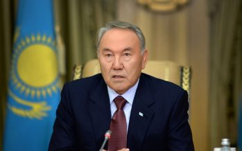 Латын әліпбиіне көшуді мерзімі 2025 жыл деп созбалақтауға негіз жоқ – Назарбаев