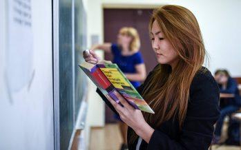 Белгілі жазушы: Барлық оқу орындарында оқыту тілі – мемлекеттік тіл болуға тиіс