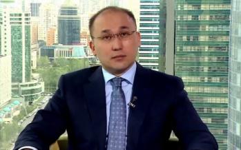 Дәурен Абаев видео арқылы БАҚ туралы жаңа заң жобасын түсіндірді
