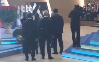 Елбасы Алтынай Жорабаеваның алдына барып, қолын алған (видео)